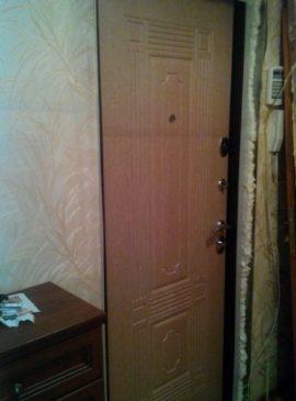Дверь БЕЗ отделки откосов